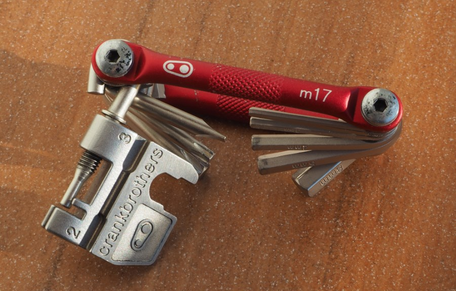 Test Multitool Crank Brothers M17 5