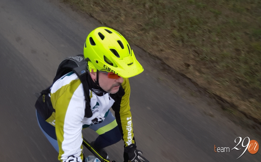Test kask Giro Chronicle MIPS 2