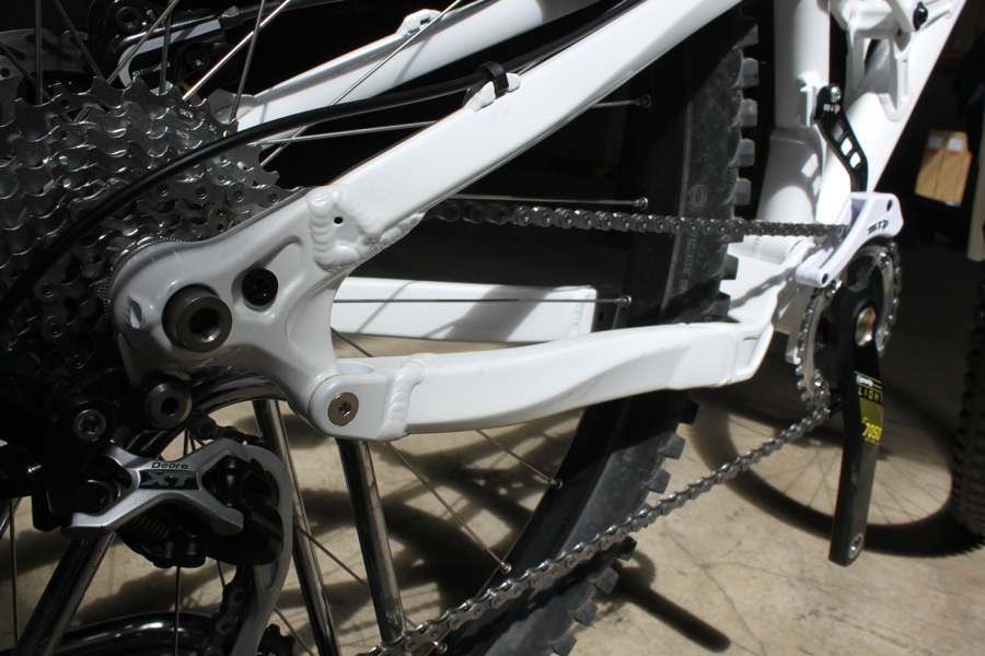 Titus-El-Guapo-29er-Prototype-142x12-Rear-Stays