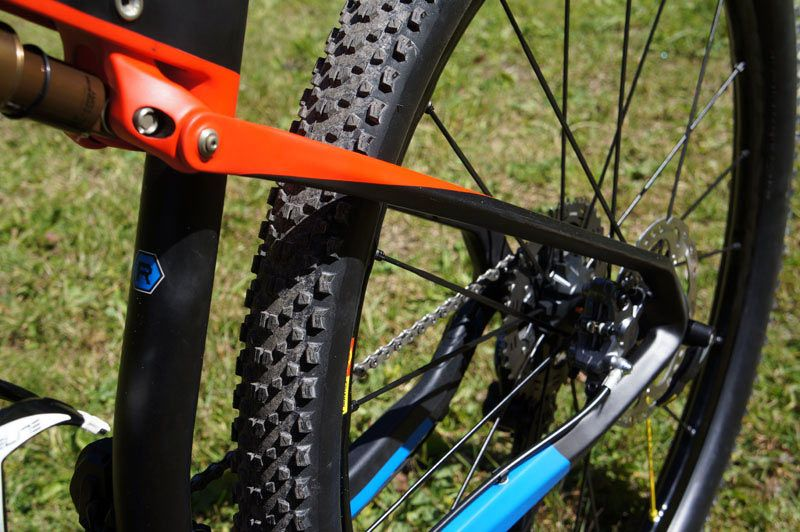 2015-orbea-oiz-full-suspension-xc-mtb-06