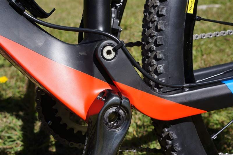 2015-orbea-oiz-full-suspension-xc-mtb-09