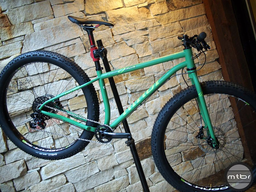 http://www.test.rowery650b.eu/images/stories/news/kola/StansNoTubes/niner-ros9-plus.jpg