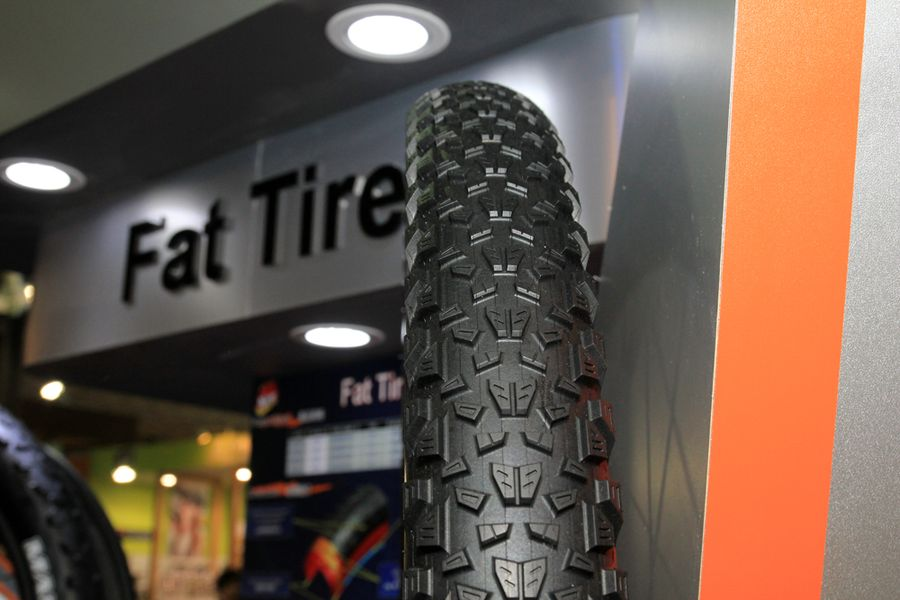 http://www.test.rowery650b.eu/images/stories/news/opony/Maxxis_2014/Maxxis-Fatbike-29-plus-tires-1.jpg